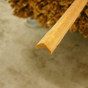 Hoeklat hardhout 15×15 mm 240 cm