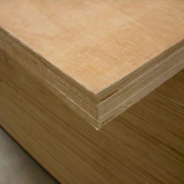 Multiplex Hardwood 40 mm 122x250 cm