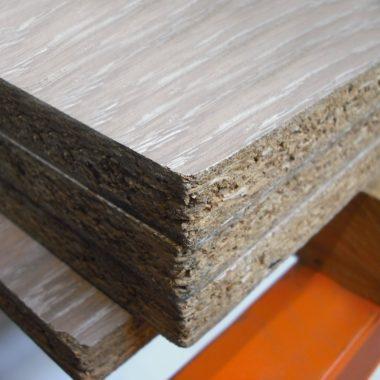 Spaanplaat 18 mm 125×250 cm houtnerf structuur