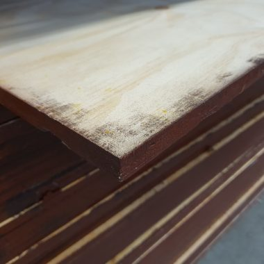 Underlayment radiata pine grenen 18 mm