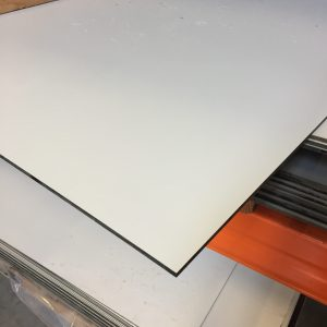 HPL Volkernplaat lichtgrijs 6 mm 130x305 cm