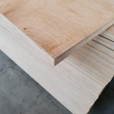 Multiplex Hardwood 22 mm 122x250 cm