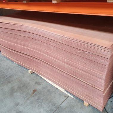 Multiplex Hardwood 8 mm 122x250 cm