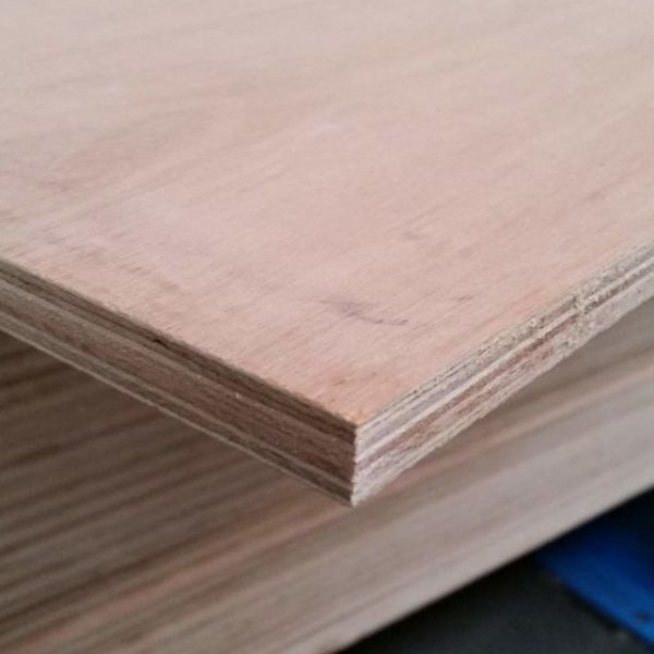 Multiplex Hardwood 15 mm 153x305 cm